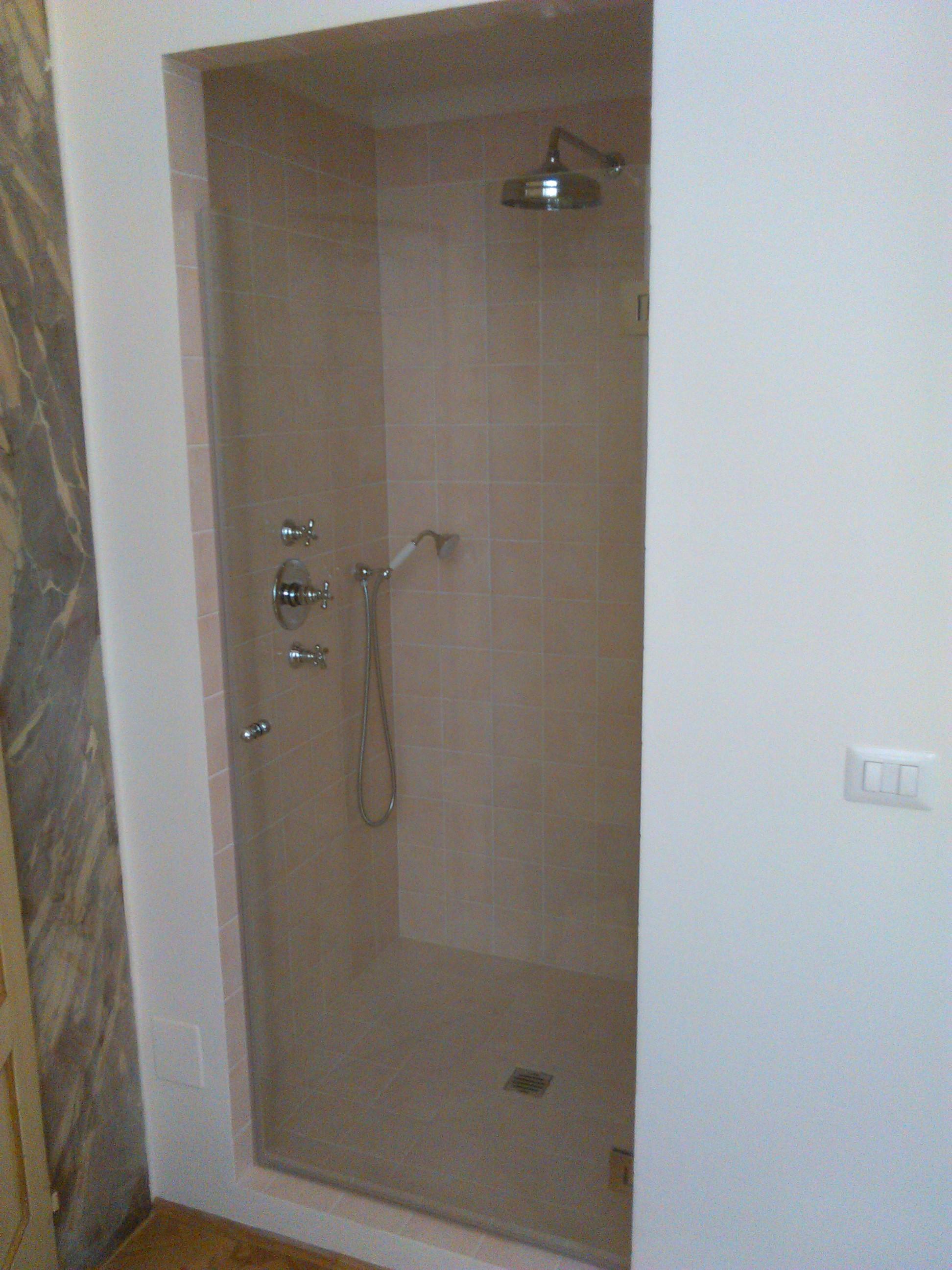 Vetro scorrevole per box doccia in muratura - Vetreria Firenze Simone Bacciotti