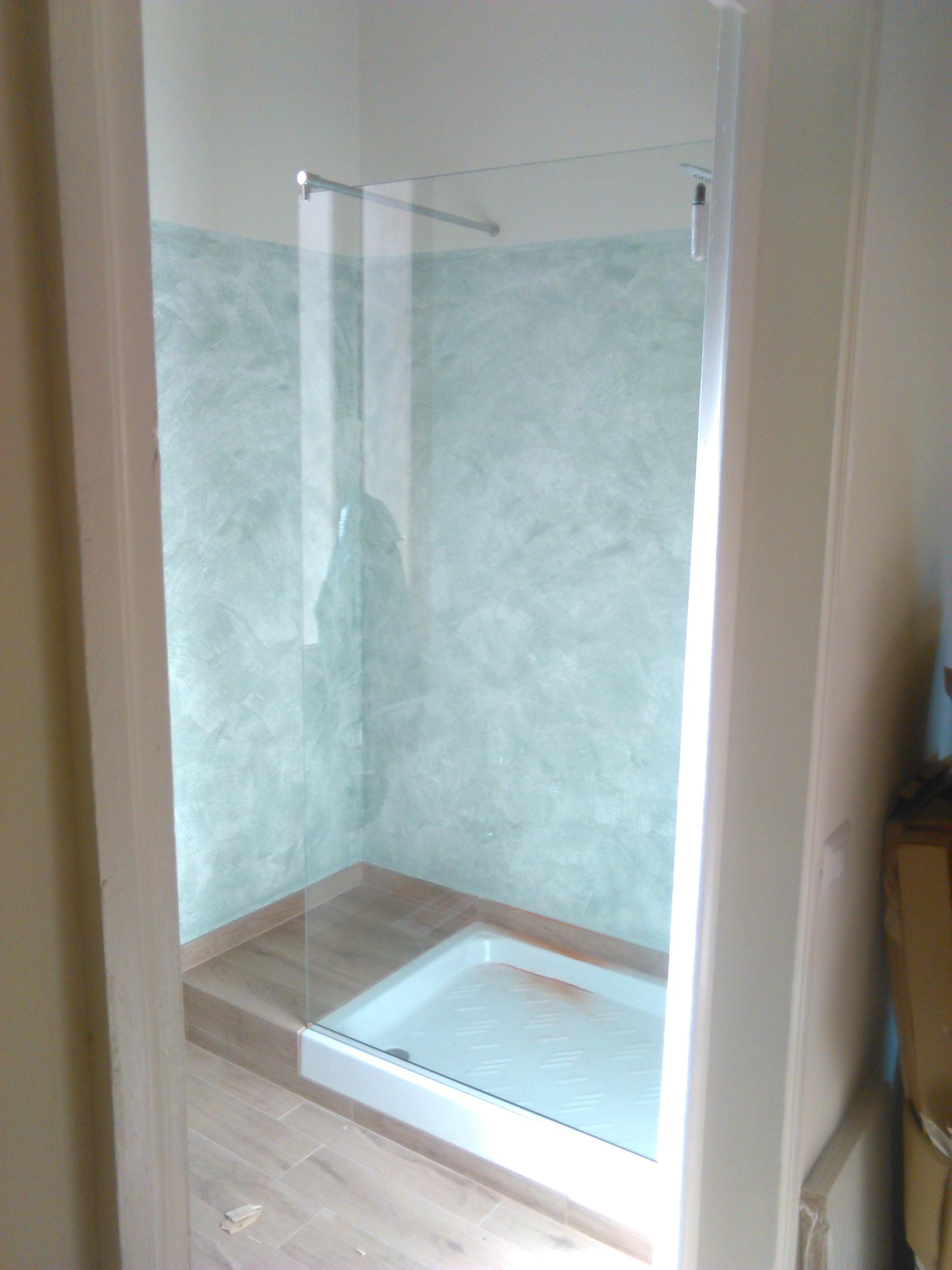 Vetro per box doccia angolo muro vetreria firenze simone - Vetri per doccia ...